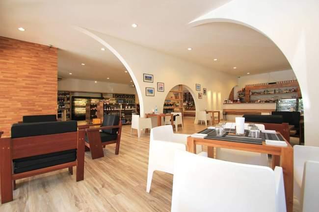 Bocconcino Italian Restaurant Pastry And Bakery Phuket Interior 650px 06